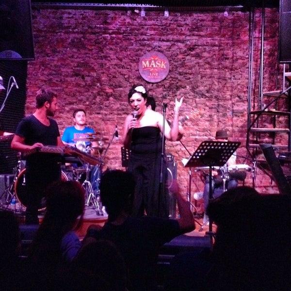 Foto diambil di Mask Live Music Club oleh Tolga S. pada 9/22/2013