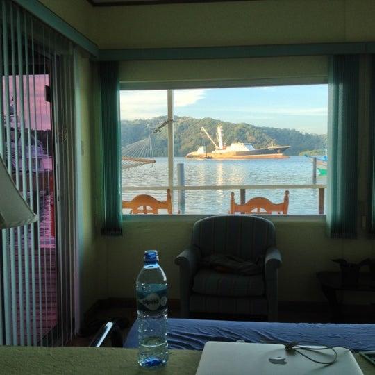 Foto diambil di Banana Bay Marina (Bahía Banano, S.A.) oleh Shaiba I. pada 1/4/2013