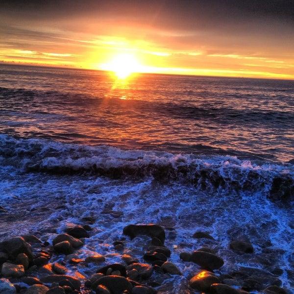 Foto diambil di Day Off Beach Bar oleh Cynthia S. pada 9/16/2013
