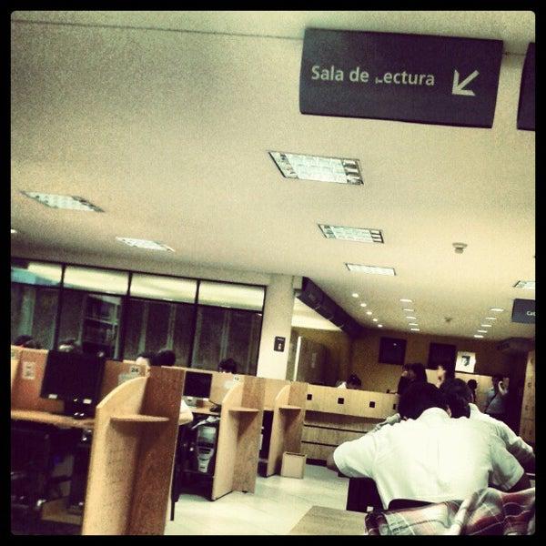 Снимок сделан в Universidad Autónoma de Asunción пользователем Ricardo T. 11/22/2012