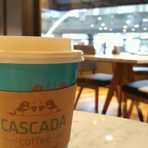 Das Foto wurde bei Cascada Coffee von Eda T. am 10/5/2016 aufgenommen