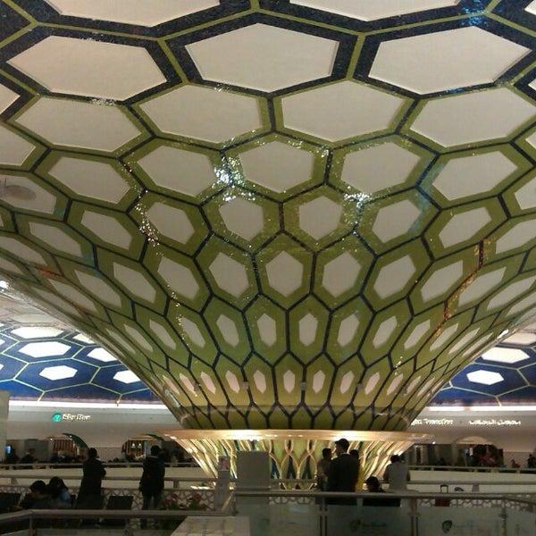 Photo prise au Abu Dhabi International Airport (AUH) par Sergio B. le2/17/2013