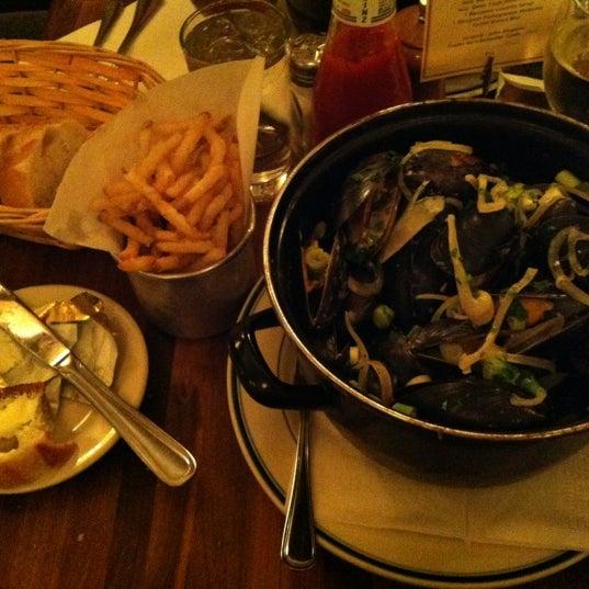 Снимок сделан в La Bonne Soupe пользователем Egor P. 11/7/2012
