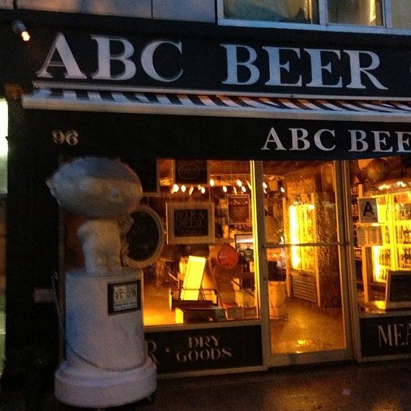 Foto scattata a Alphabet City Beer Co. da Dale T. il 6/8/2013