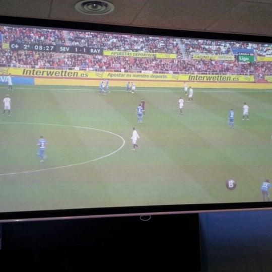 Ideal para ver los partidos del Barça! Tienen una mega-pantalla