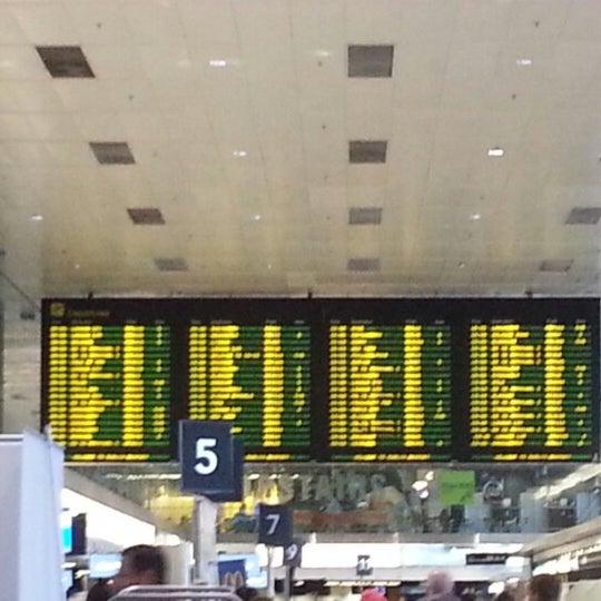 Foto tirada no(a) Aeroporto de Dublin (DUB) por yyho88 em 9/24/2012