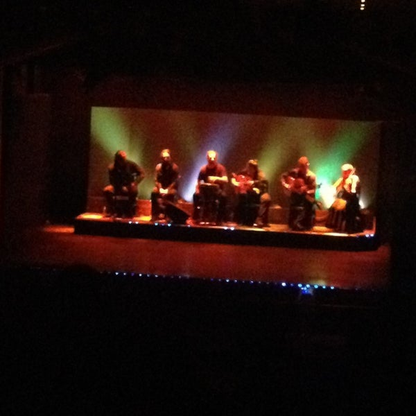 Foto diambil di Palacio del Flamenco oleh Deria A. pada 3/29/2013