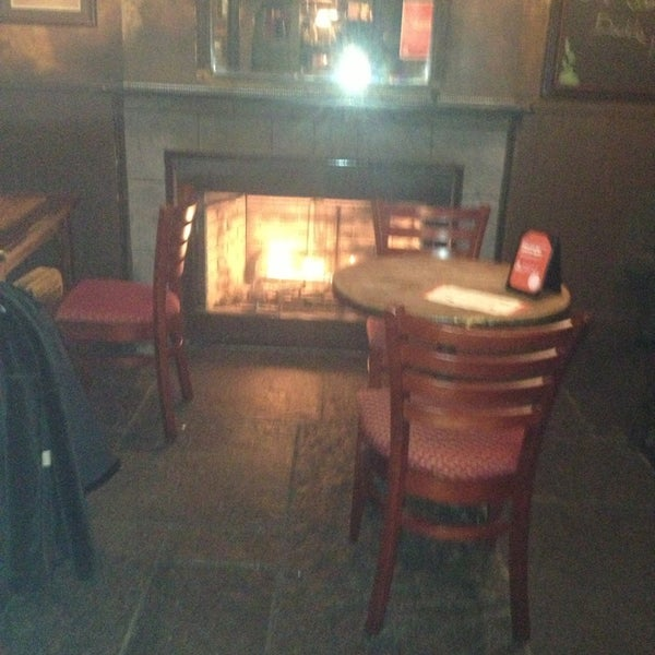 Foto tirada no(a) Tigin Irish Pub por Lindsey em 1/4/2013