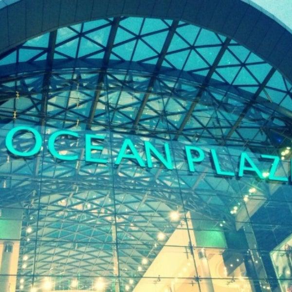 รูปภาพถ่ายที่ Ocean Plaza โดย OSKAR S. เมื่อ 11/23/2013