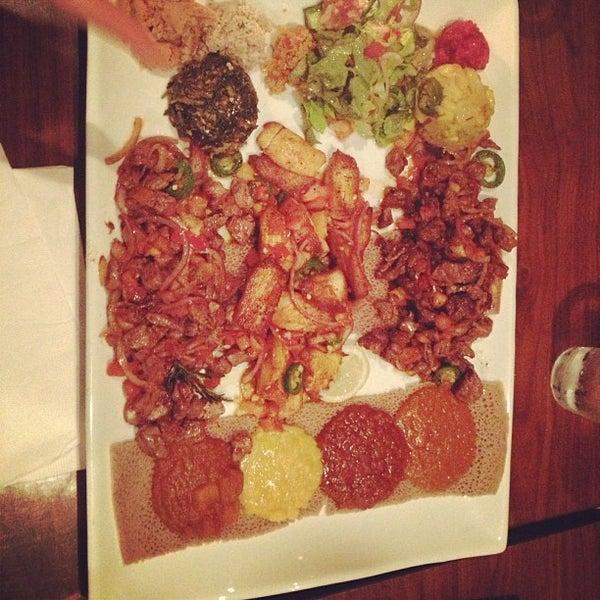 Foto scattata a Desta Ethiopian Kitchen da Bill R. il 12/10/2012