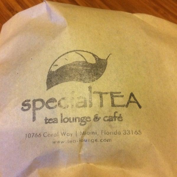 Foto tirada no(a) specialTEA Lounge & Cafe por Nicole G. em 5/13/2016