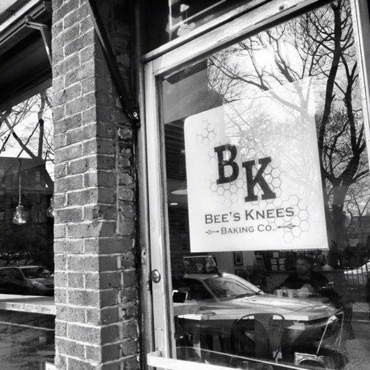 รูปภาพถ่ายที่ Bee's Knees Baking Co. โดย Biba C. เมื่อ 12/13/2012
