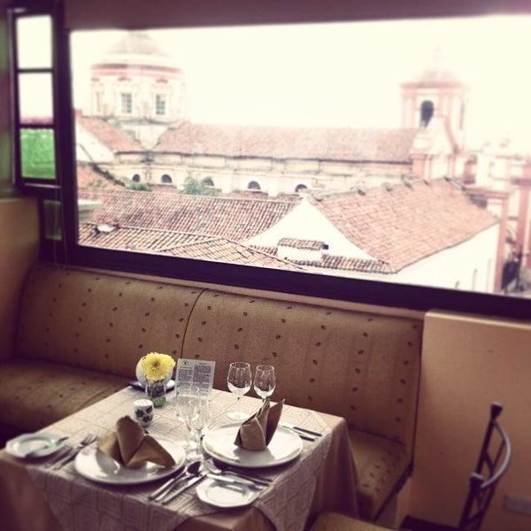 รูปภาพถ่ายที่ Hotel de la Opera โดย Felipe H. เมื่อ 3/30/2013