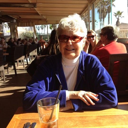 Foto tirada no(a) Sandy's por Beth M. em 11/12/2012