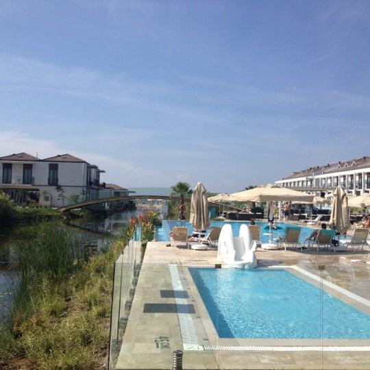 Снимок сделан в Jiva Beach Resort пользователем Mirac Efe D. 10/4/2012
