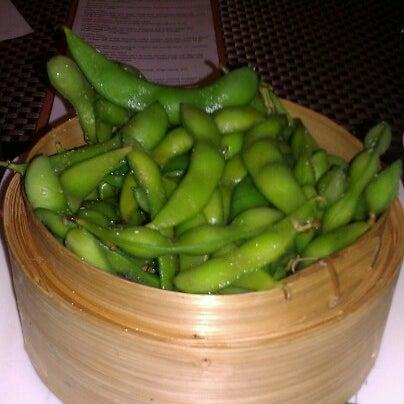 Foto scattata a Koi Fine Asian Cuisine & Lounge da Eklypse T. il 11/17/2012