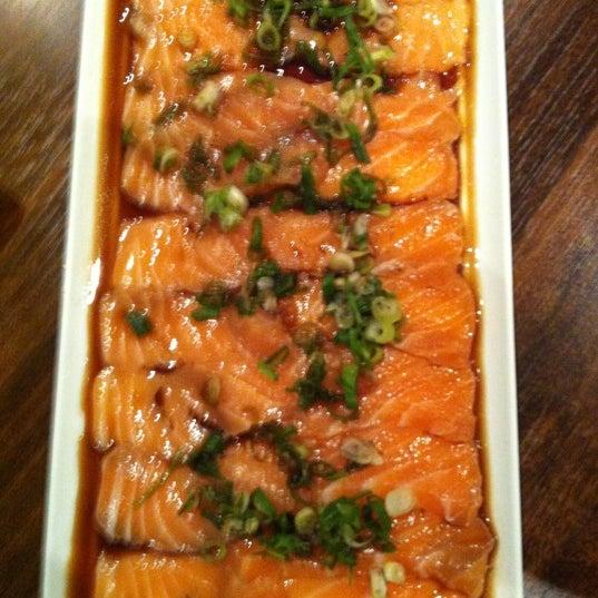 Foto tomada en Yatta Sushi por William Y. el 12/13/2012