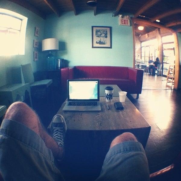 Das Foto wurde bei The Coffee Shop at Agritopia von Jared M. am 3/21/2013 aufgenommen