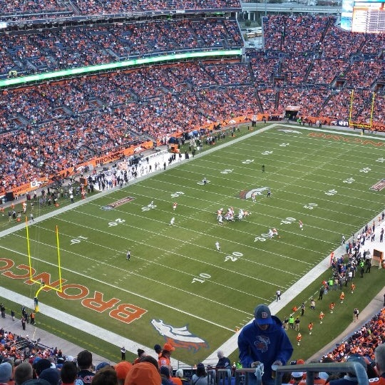 Foto diambil di Broncos Stadium at Mile High oleh Scott N. pada 9/24/2013