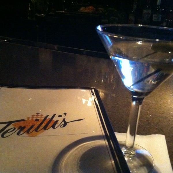 รูปภาพถ่ายที่ Terilli's โดย Everett G. เมื่อ 3/9/2013