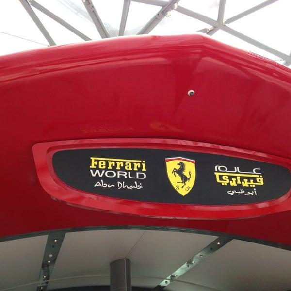 Foto tomada en Ferrari World Abu Dhabi por Ahmed A. el 6/15/2013