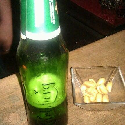 Foto tirada no(a) Moe Club por Javi G. em 10/27/2012