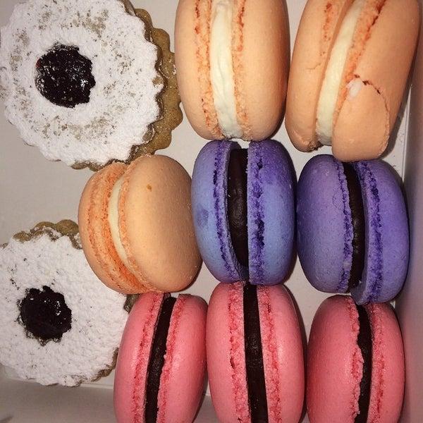 Foto diambil di Frida's Bakery oleh Misha W. pada 2/7/2015