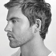 Foto scattata a David's Hairstyling da david's h. il 2/6/2013