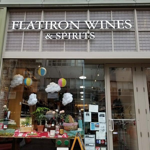 Photo prise au Flatiron Wines & Spirits - Manhattan par oohgodyeah le8/29/2017