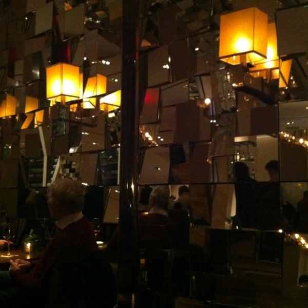 Снимок сделан в SOUTHGATE Bar & Restaurant пользователем Peter G. 3/9/2013