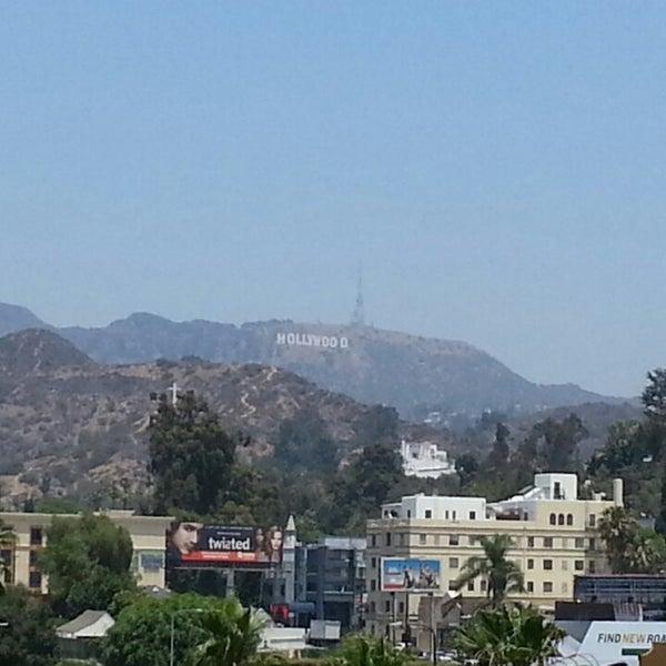 รูปภาพถ่ายที่ Hollywood & Highland Center โดย Gary B. เมื่อ 6/13/2013