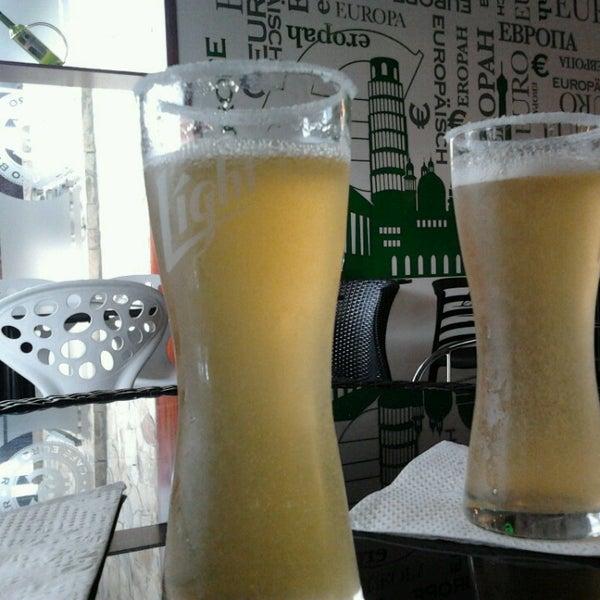 7/9/2013 tarihinde Andrea D.ziyaretçi tarafından Café Euro Bar'de çekilen fotoğraf