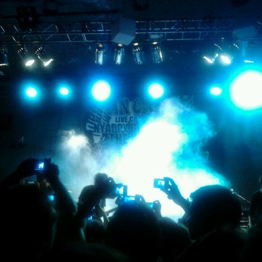 รูปภาพถ่ายที่ BLONDIE โดย maria jose F. เมื่อ 11/26/2012