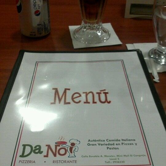 Foto tomada en Da Noi Pizzeria Ristorante por Julian C. el 11/30/2012