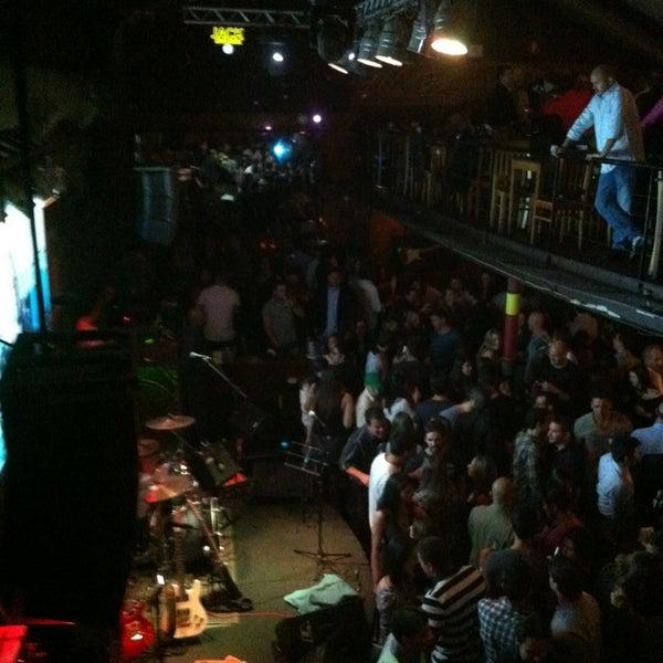 Foto diambil di Kia Ora Pub oleh marcelojhow l. pada 6/27/2013