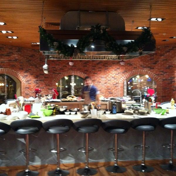 รูปภาพถ่ายที่ Culinaryon โดย Sergei M. เมื่อ 12/20/2012