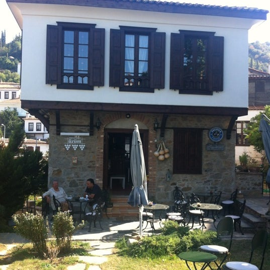 10/19/2012에 Talat B.님이 Üzüm Cafe에서 찍은 사진