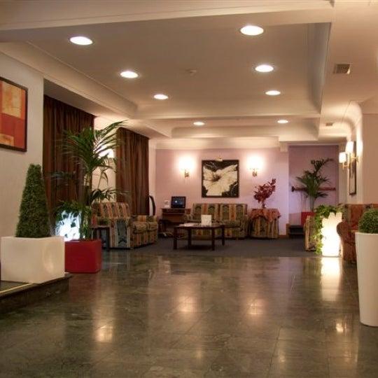 Ottimo Hotel ubicato vicino alla Stazione Tiburtina e Termini,a soli 400 metri dalla metro fermata Bologna e con solo 5 fermate arrivate al Colosseo oppure a Piazza di Spagna