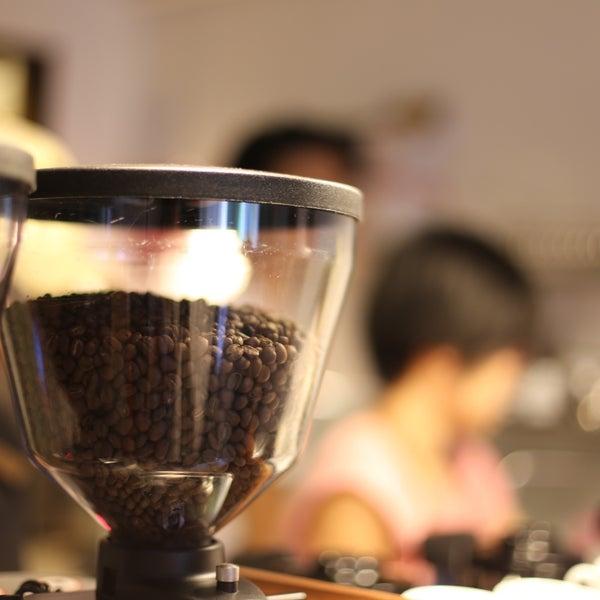 4/28/2013にJoey A.がNylon Coffee Roastersで撮った写真