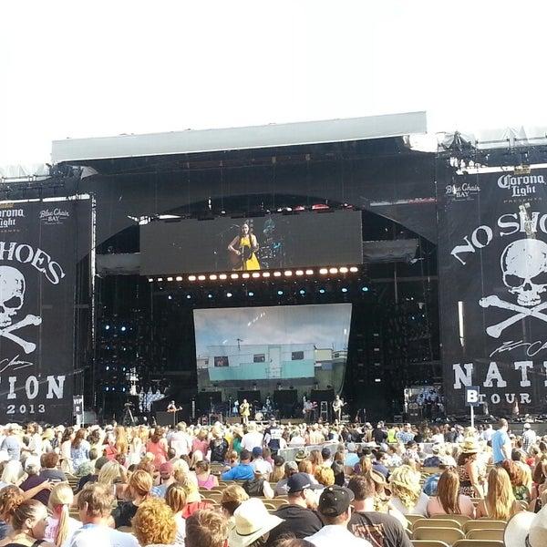 Foto diambil di Broncos Stadium at Mile High oleh Jeighsen ®. pada 7/20/2013