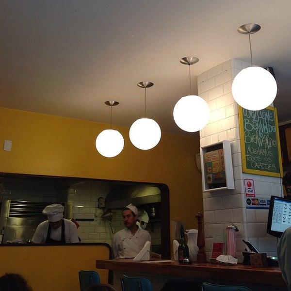 Photo prise au Gringo Café par Elcias M. le9/30/2012