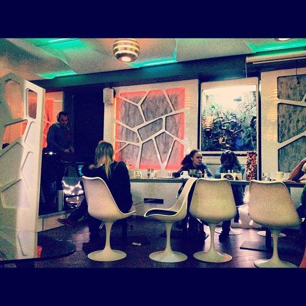 Снимок сделан в Cafe Studio 89,5fm пользователем Мария А. 10/20/2012