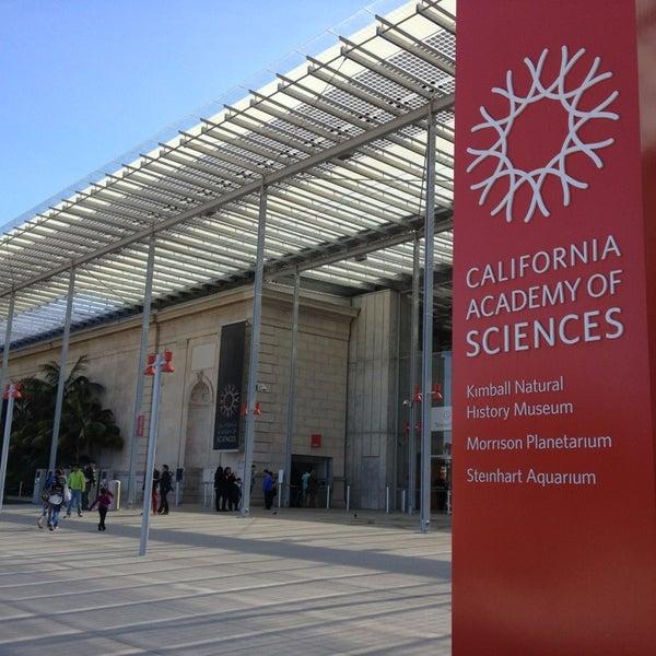 รูปภาพถ่ายที่ California Academy of Sciences โดย Sarah E. เมื่อ 3/11/2013