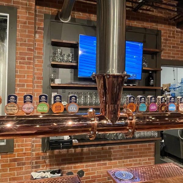 Das Foto wurde bei Snake River Brewery & Restaurant von Ross S. am 7/29/2021 aufgenommen