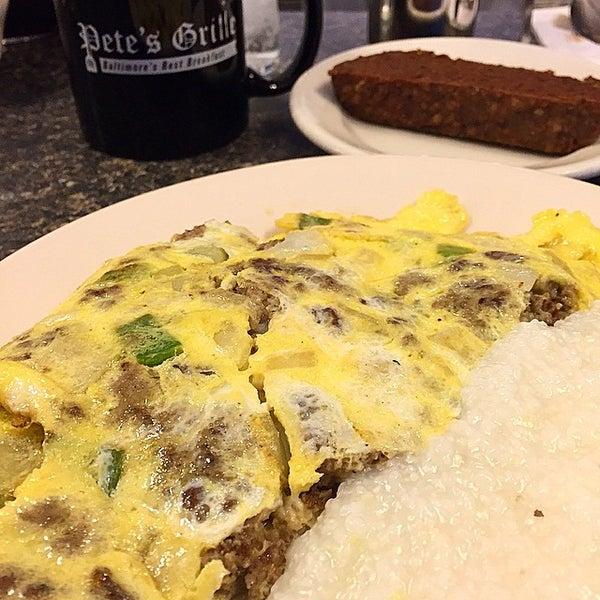 Foto tirada no(a) Pete's Grille por Brian S. em 1/24/2015