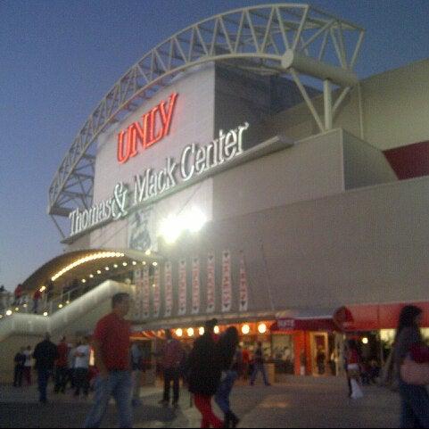 Das Foto wurde bei Thomas & Mack Center von Jamie Y. am 11/25/2012 aufgenommen