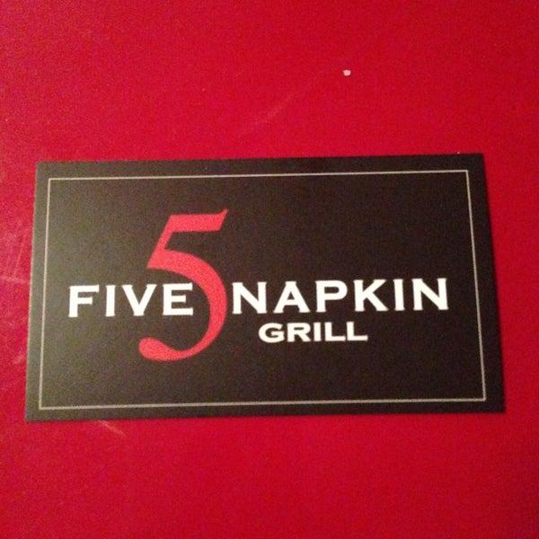 Снимок сделан в 5 Napkin Grill пользователем Maurice W. 5/7/2013