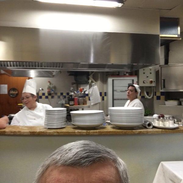 รูปภาพถ่ายที่ Antonella Dolci e Caffé โดย Enzo G. เมื่อ 11/12/2016