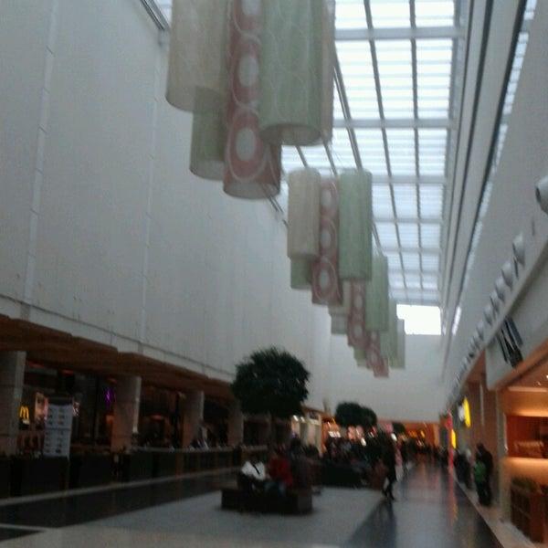 Foto tirada no(a) Shopping Palladium por Fernando D. em 7/22/2013