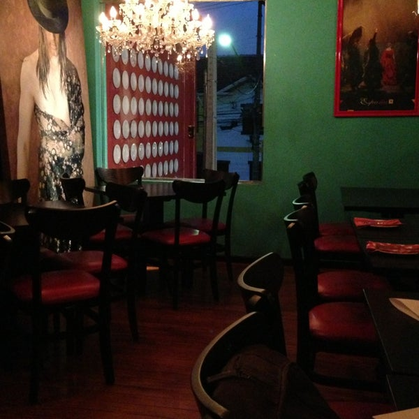 รูปภาพถ่ายที่ Restaurante Almodovar โดย Alejandro G. เมื่อ 2/26/2013